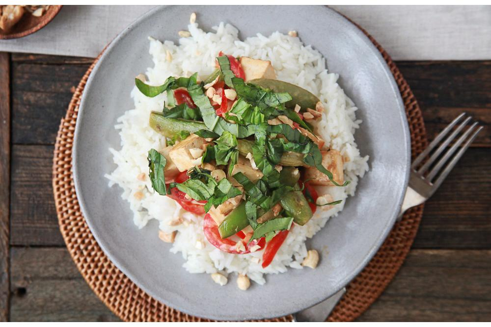 Tofu, Sugar Snap Peas and Red Peppers in a Green Curry-Cashew Sauce with Basmati Rice