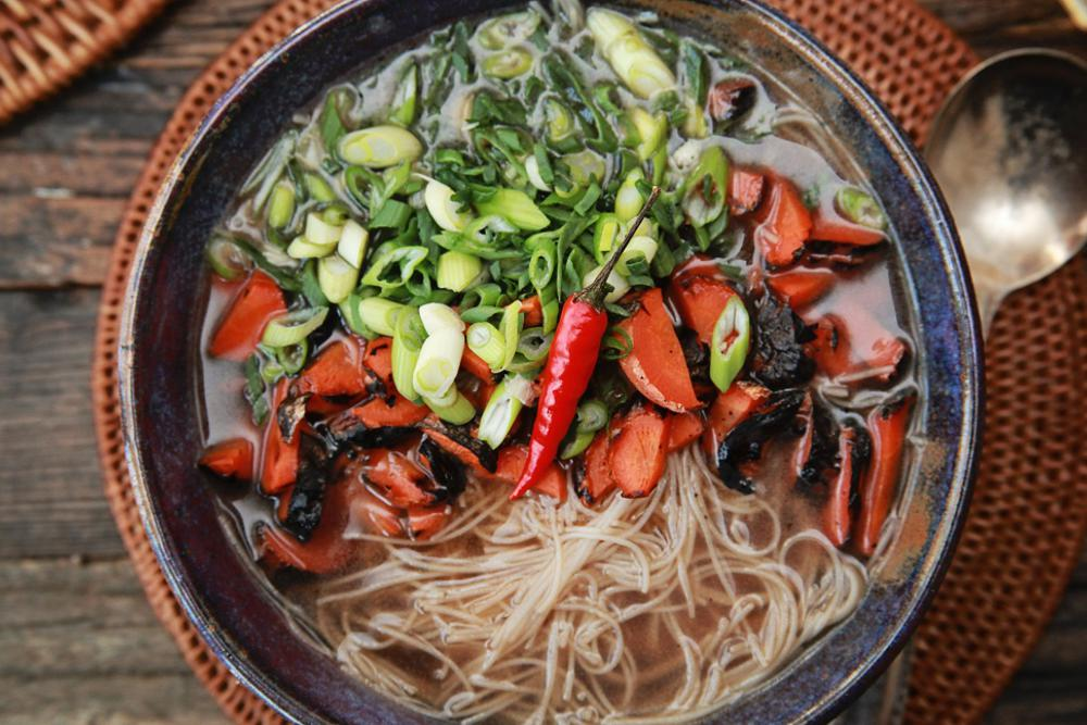 "Faux ""Pho"" with Rice Noodles, Mung Bean Sprouts, Charred Carrots and Spring Onions"