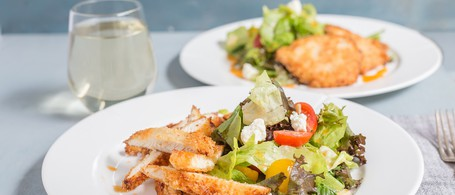 Crispy Panko Chicken with Lettuce, Tomatoes & Herb Salad