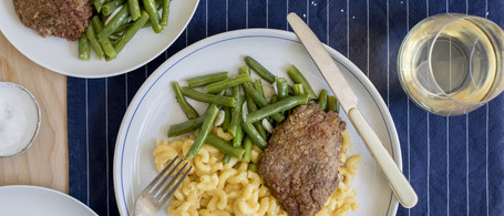 Country-Fried Sirloin with Snap Beans & Mac-n-Cheese
